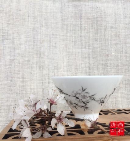 茶杯-折枝花