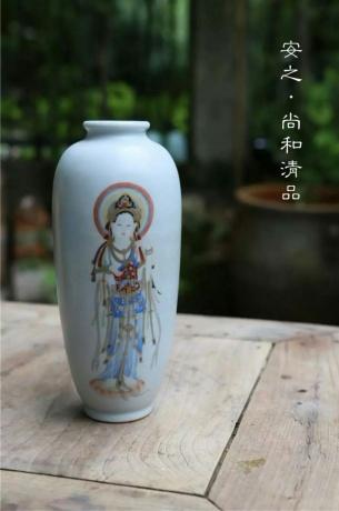 佛教题材手绘花器